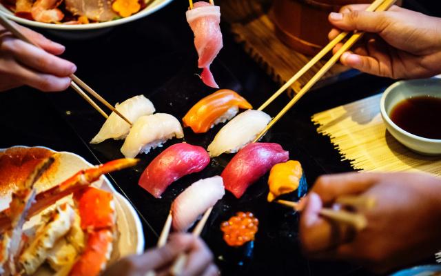 Čerstvé sushi si oblíbíte na první pohled