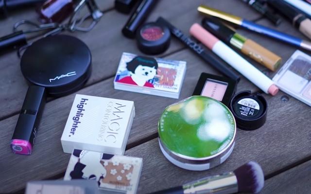 Tolik kosmetických produktů... Opravdu je to potřeba?