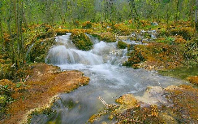 Vodopády v Jiuzhaigou