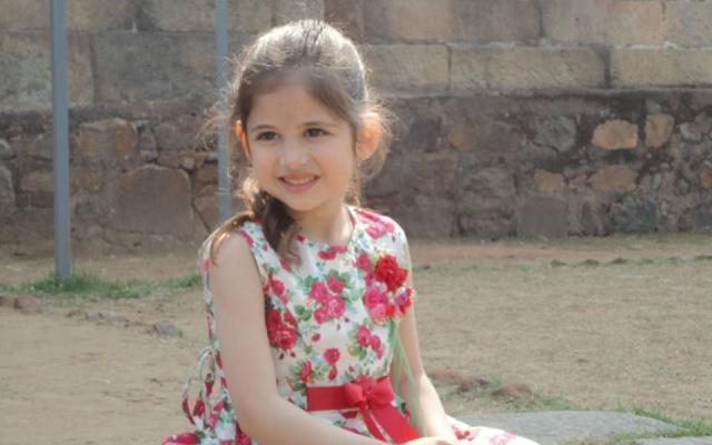 Dětská indická herečka Harshaali Malhotra