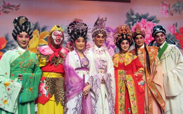 Herci Kantonské operní společnosti po představení v Sono centru