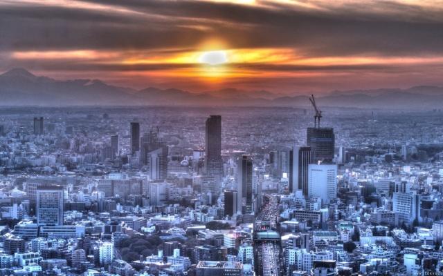 Tokyo za úsvitu...