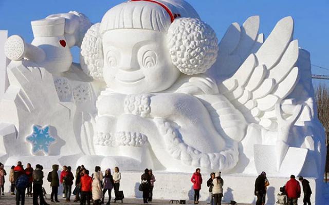 Jedna z dokončených soch ve Winter Wonderland v Harbinu