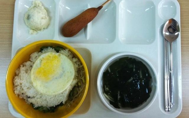 Školní oběd