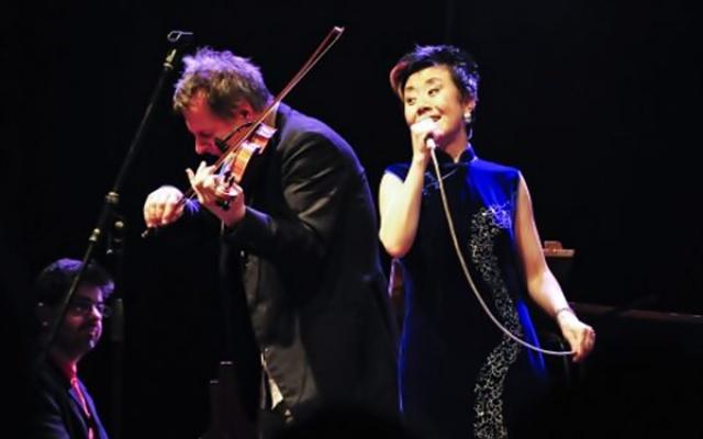 Zpěvačka Feng-yün Song a houslista Martin Zbrožek