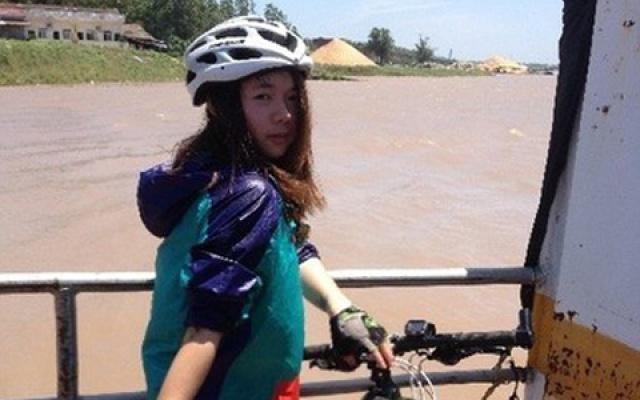 Liao Jingwen na svém cestě domů