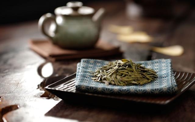 Zelený čaj Longjing
