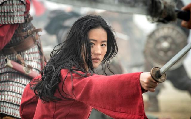 Lui Yifei jako Mulan