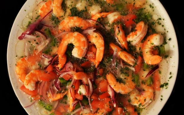 ilustrativní obrázek - polévka s krevetami
