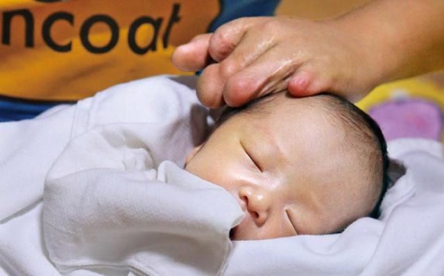 Novorozeně zanechané v Baby Boxu
