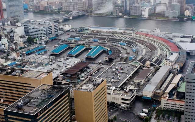 Trh Tsukiji v Tokijském Chuo