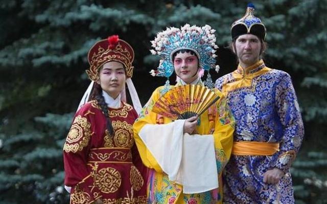 Asijské historické kostýmy